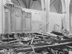 Stalles de Nevers après bombardement de 1944 -2