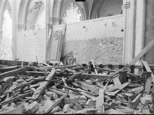 Stalles de Nevers après bombardement de 1944 -1