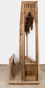 Morogues église Saint-Symphorien restauration du banc d'oeuvre du XVe siècle montage à blanc en atelier 2018