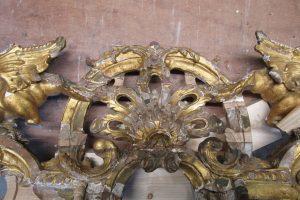 Maison de Louis XIV Restauration d'une console en bois sculptée - recomposition des décors
