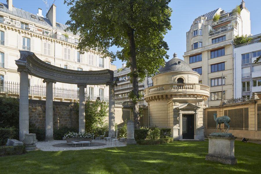 Vue des jardins de l'Hôtel Salomon de Rothschild©Antoine Mercusot - Agence François Châtillon, Paris